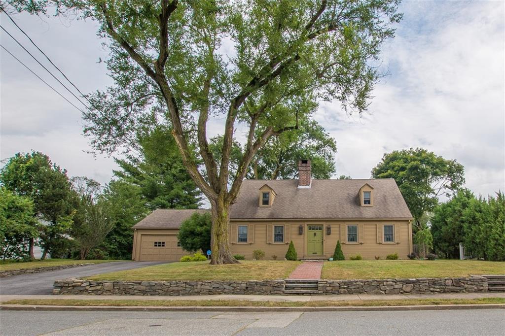18 Anawan Road,  Pawtucket, RI 02861
