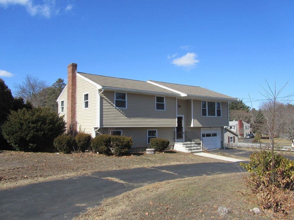 2 GATES ROAD, WEST PEABODY, SINGLE FAMILY HOME
