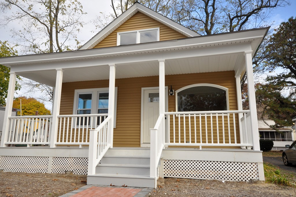 14 Amherst, Chelmsford, MA  01824