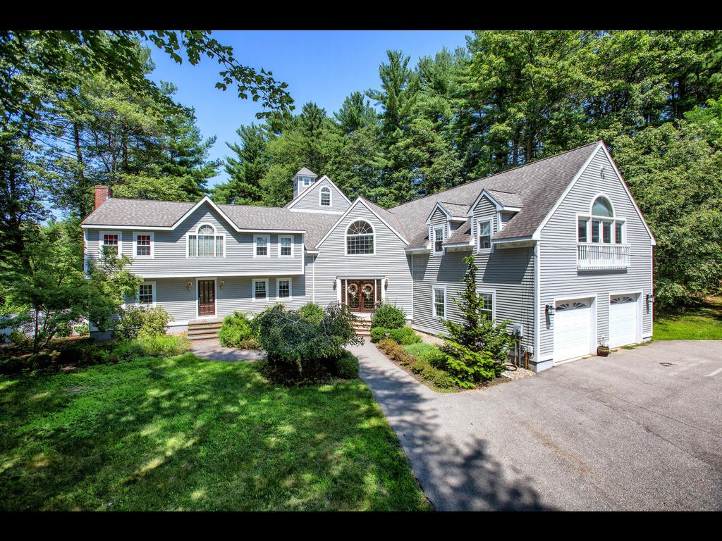 Expansive West Newbury home suitable for a world of uses!