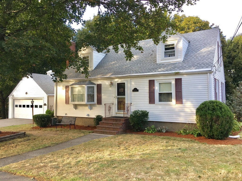 2 Hog Hill Road, Peabody, Single Family Home