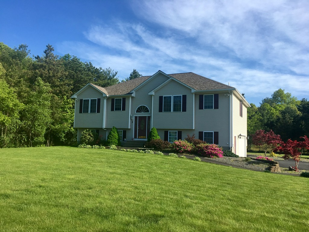 3 ALEXANDRA DR ASSONET-FREETOWN, MA 02702