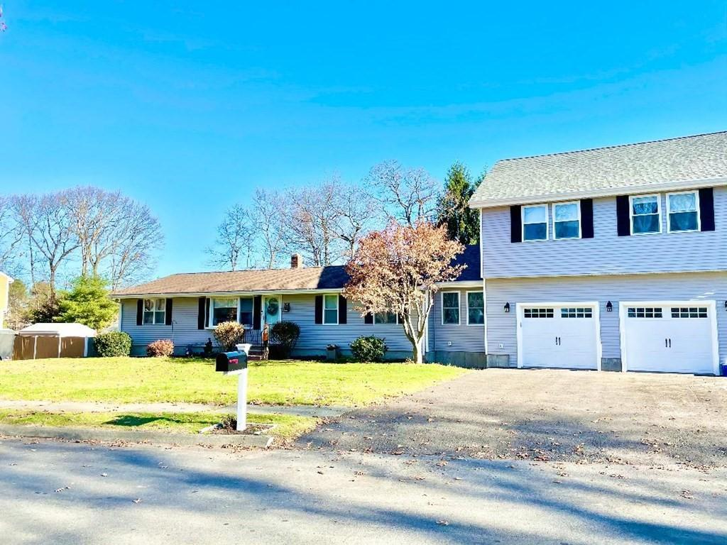 17 Pocahontas Drive, West Peabody, Single Family with Inlaw, In-law